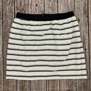Black and white Ann Taylor skirt size 12